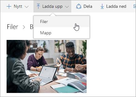 Skärmbild som visar var du laddar upp en fil i OneDrive