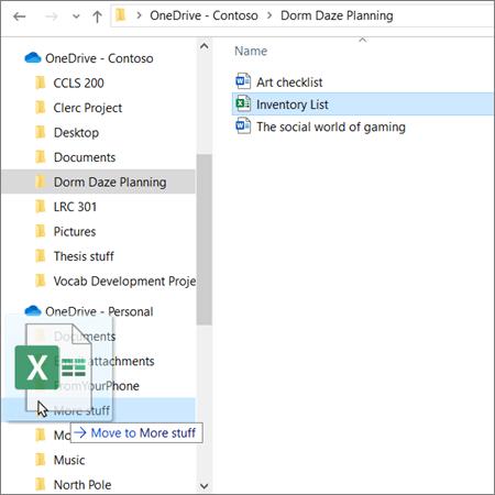 ภาพของการลากแล้วปล่อยจากบัญชีการศึกษา OneDrive ไปยังบัญชีส่วนบุคคล OneDrive ใน File Explorer