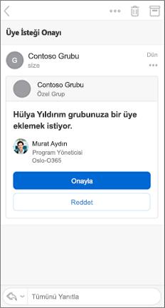 Onayla ve Reddet düğmeleri içeren e-posta iletisi