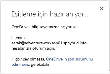 OneDrive İş'i eşitlemek için ayarlarken görünen Eşitlemeye hazırlanılıyor iletişim kutusunun ekran görüntüsü