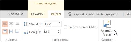 Ekran görüntüsünde, imleç Alternatif Metin seçeneğinin üzerindeyken Tablo Araçları'nın Düzen sekmesi görünmektedir.