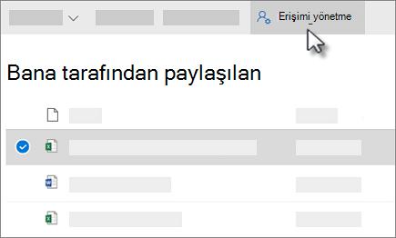 OneDrive iş görünümünde Paylaştıklarım'te yönetme erişim düğmesinin Ekran görüntüsü