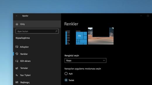 Windows ayarları 'ndaki renk sayfası koyu modda gösteriliyor.