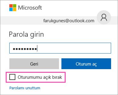 Outlook.com oturum açma sayfasındaki Oturumumu açık tut onay kutusunun ekran görüntüsü