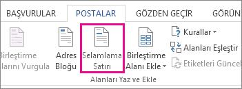 Word'de Posta Gönderileri sekmesinin ekran görüntüsü, Selamlama Satırı komutu vurgulanmış olarak gösteriliyor.