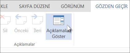 Word Web App'in Okuma Görünümündeki Açıklamalar sekmesi altında yer alan Açıklamaları Göster komutunun resmi