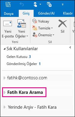 PST dosyası, Outlook'taki sol gezinti çubuğunda gösterilir