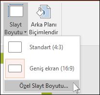 PowerPoint'te özel slayt boyutu seçebileceğiniz iletişim kutusunu gösterir