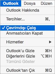 Seçili Outlook menüsünde Çevrimdışı Çalış seçeneğini gösterir