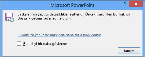 PowerPoint'te Eşitlenen değişiklikler iletisini gösterir