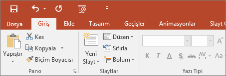 PowerPoint 2016'daki renkli temalı şeridi gösterir