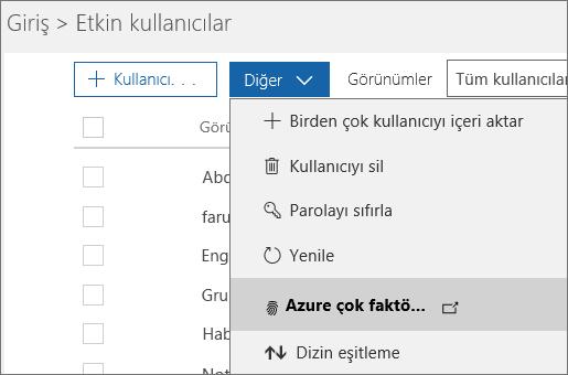 Etkin Kullanıcılar sayfasında, Azure multi-factor authentication kurulumunun seçili olduğu Daha Fazlası menüsü.