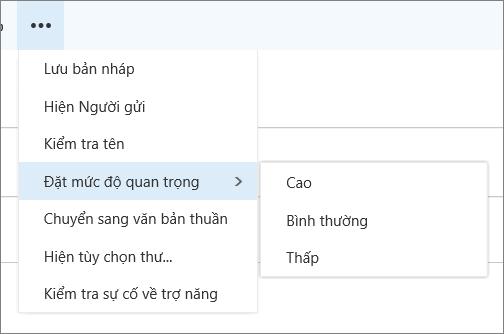 Một ảnh chụp màn hình hiển thị các tùy chọn bổ sung sẵn dùng cho thư với tùy chọn để đặt mức độ quan trọng được tô sáng, Hiển thị các giá trị cao, thông thường và thấp.