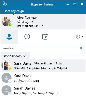 Ảnh chụp màn hình cửa sổ Skype for Business trong khi đang tìm kiếm một liên hệ để thêm.