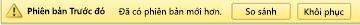 Biểu ngữ màu vàng ở phía trên cùng của một tệp ứng dụng có hai nút cho phép bạn so sánh phiên bản này với phiên bản hiện tại của bạn hoặc khôi phục nó để chuyển thành phiên bản hiện tại