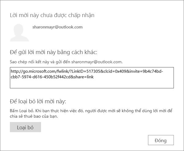 Ảnh chụp màn hình của hộp thoại cho một lời mời đang chờ kèm nối kết để gửi qua email và nút để loại bỏ lời mời.