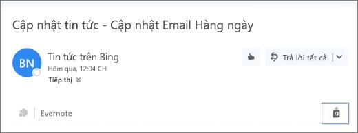 Ảnh chụp màn hình một đoạn trích từ phần đầu của thư email với biểu tượng Cửa hàng được tô sáng. Bấm vào biểu tượng này sẽ mở ra cửa sổ Phần bổ trợ cho Outlook, tại đây bạn có thể duyệt và cài đặt các phần bổ trợ.