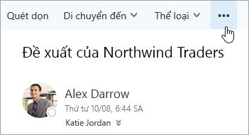 Ảnh chụp màn hình của nút Lệnh khác trên thanh menu Outlook.