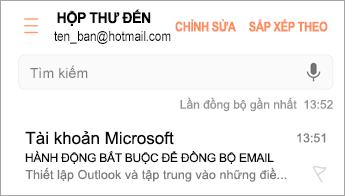 """Mở email thông báo """"Hành động bắt buộc"""""""