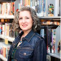 Patricia Eddy là người viết nội dung dẫn hướng cho Outlook.