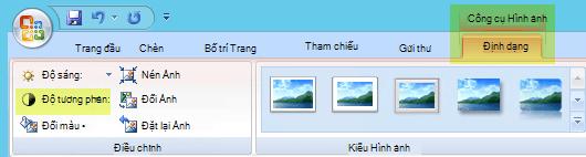 Trên tab định dạng công cụ ảnh, trong nhóm điều chỉnh, hãy chọn độ tương phản